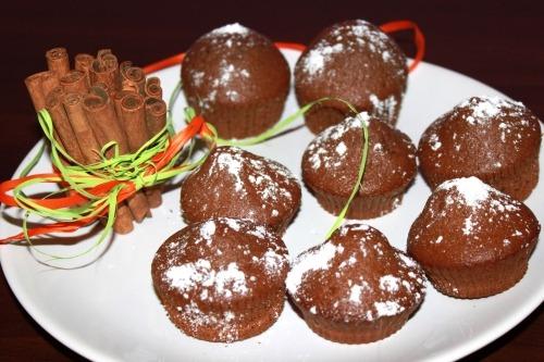 Шоколадные маффины с имбирем и корицей