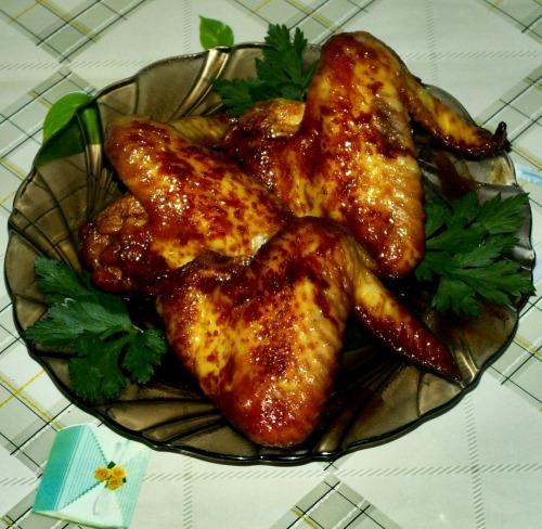 Жареные куриные крылышки в медовом соусе