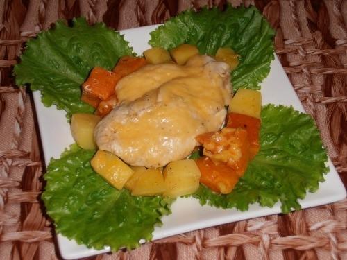 Запеченные куриные грудки с тыквой и картофелем