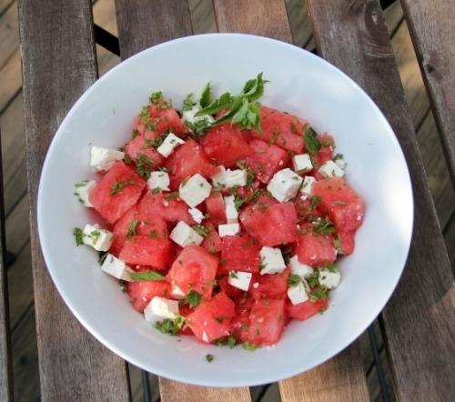 Салат з кавуна і бринзи